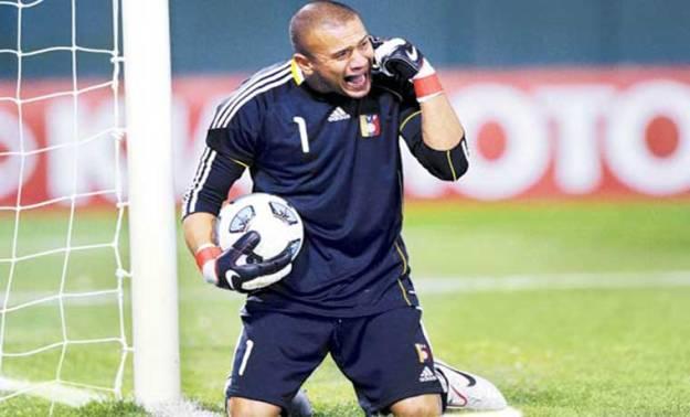 Foto: Prensa FVF/ Renny Vega fue protagonista en el Zulia vs Estudiantes tras una jugada que terminó en gol en su contra.