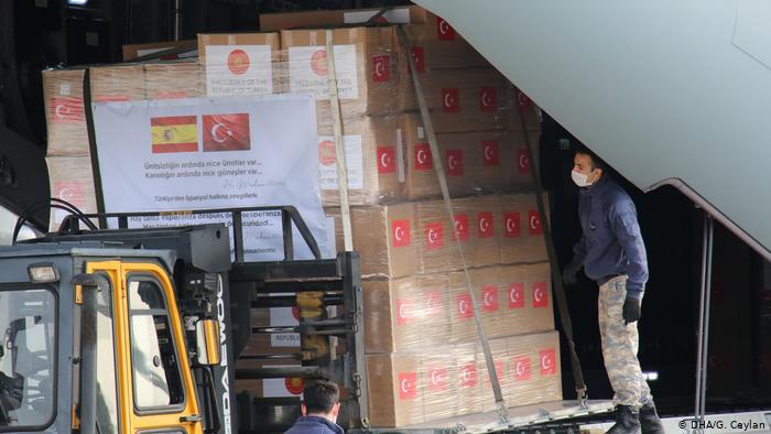 Turquía retiene respiradores que iban camino a España
